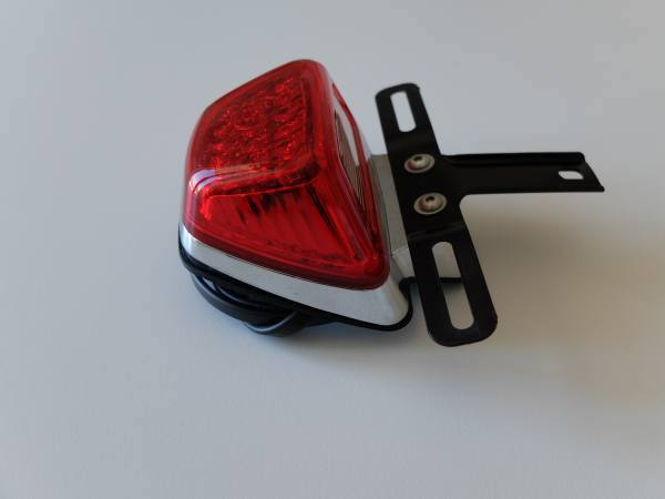 Faro originale sportster 1200 marca accessori harley for Cerco lampade a led