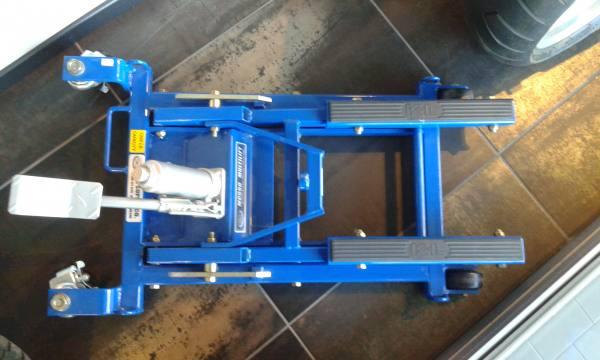 Cavalletto sollevatore per harley davidson modello for Sollevatore harley