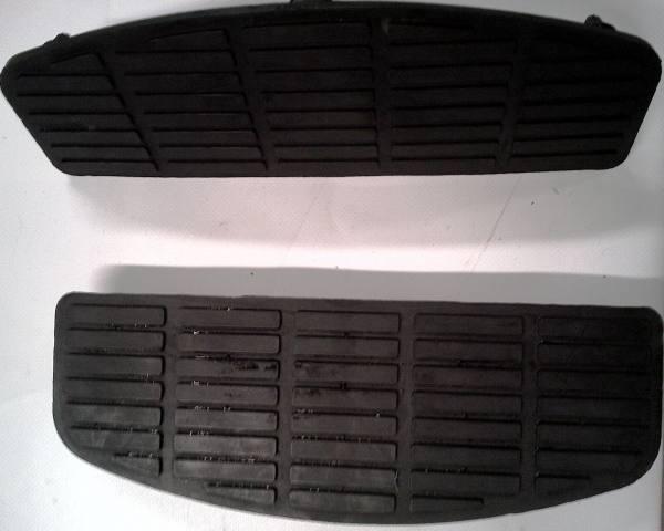 Rivestimento in gomma per pedane softail modello heritage for Gomma per rivestimento scale